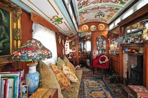 The Showman's Circus Wagon