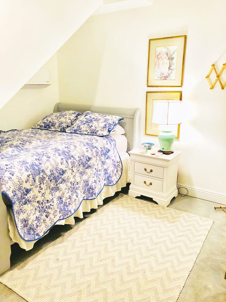 *Chic Studio For Two* Perfect NOLA Weekend Escape!