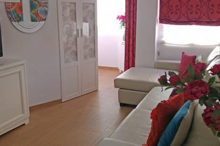 Bonito y tranquilo Apartamento en la Costa del Sol - Torre del Mar - Apartemen