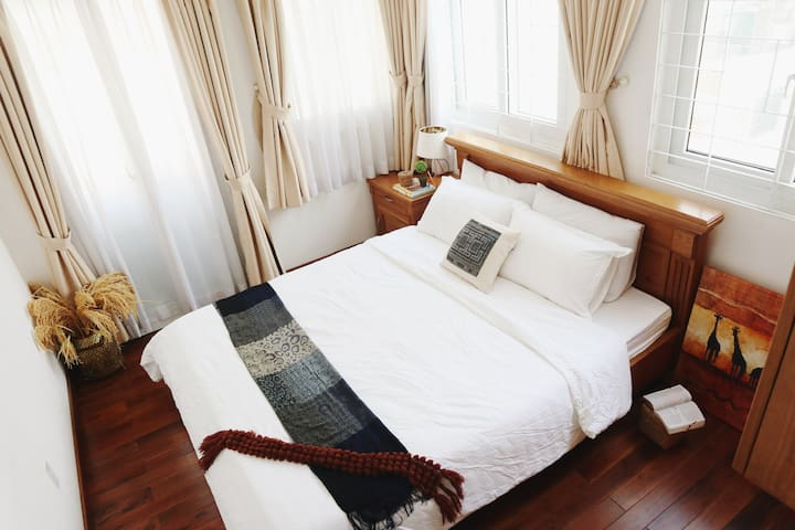 Shades 8.4★ Indochine Lifestyle Apt 5m to BenThanh