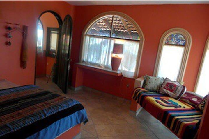 MAIN APARTMENT bedroom 1