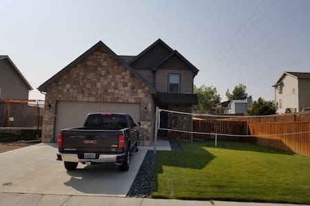 Spacious 5 Bed 3 Bath with Beautiful Mountain View