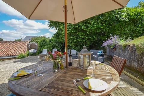 La Maison Muguet, boutique holiday home and garden