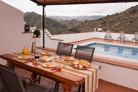 Spanish Casita with big private pool! - Comares - Chatka