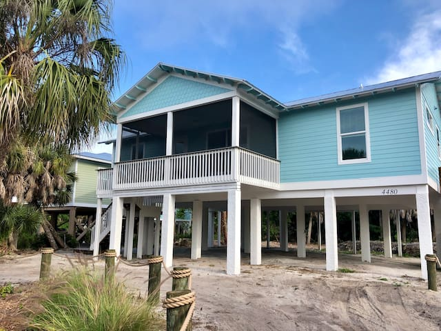 *NEW LISTING *Paradise  awaits at the Blue Tortuga
