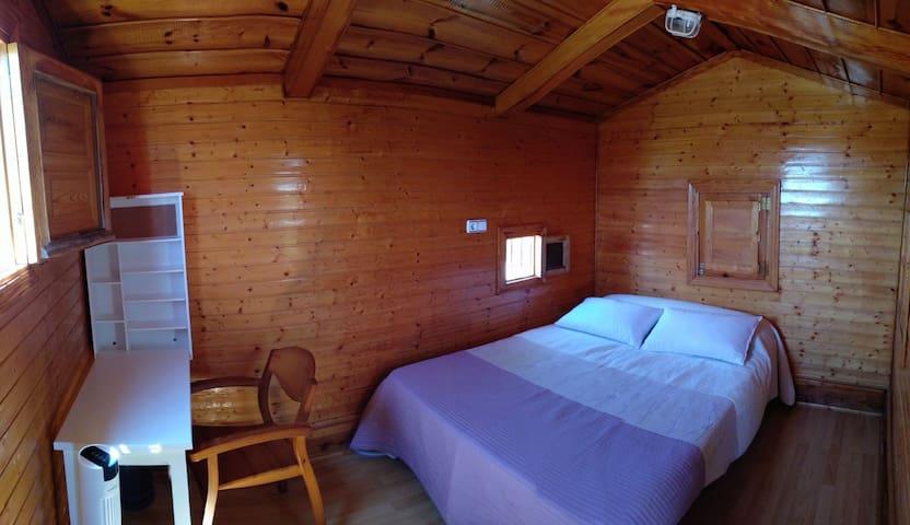 Wooden Windmill. Molino madera de viento, huertano