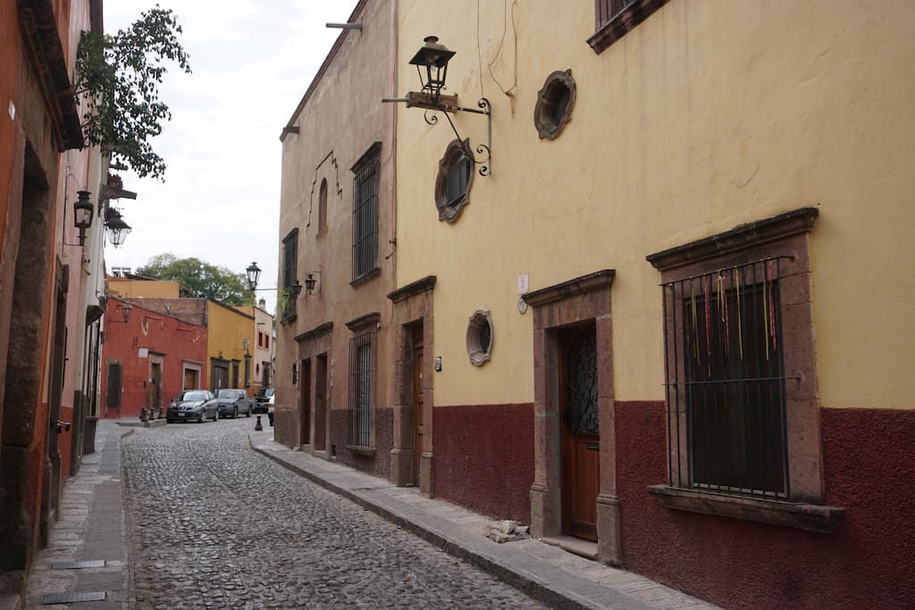 Street view of the entrance on calle Barranca.