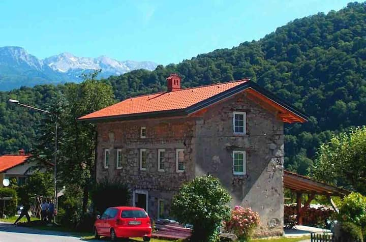 """Charming stone cottage in Soca valley """"Roman"""""""