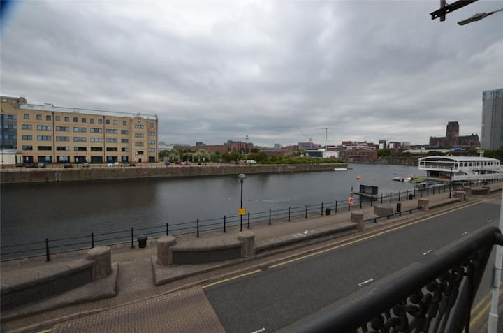 Waterfront City centre Studio with gorgeous view