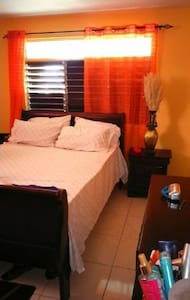 Passage Fort-bright attractive bdrm - Portmore
