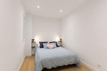 Habitación doble en piso reformado con terraza