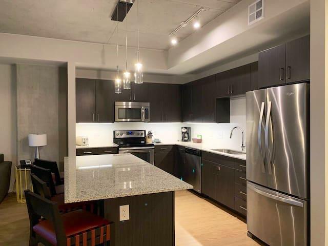 SXSW - Modern 1BR apartment by W6 St. downtown ATX