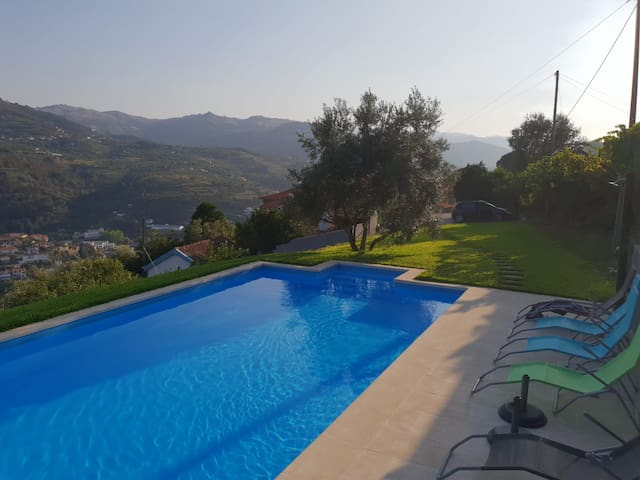 A RusticHouse Douro Valley - river view, pool, pkg