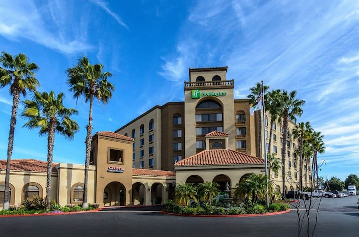 Divine Suite Deluxe At North San Diego