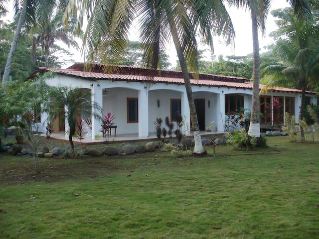 Casa Pura Vida - Jaco - Casa