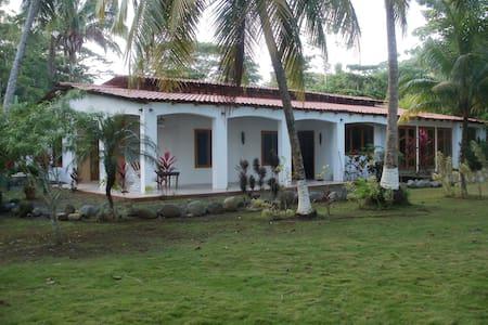 Casa Pura Vida - Jaco - Hus