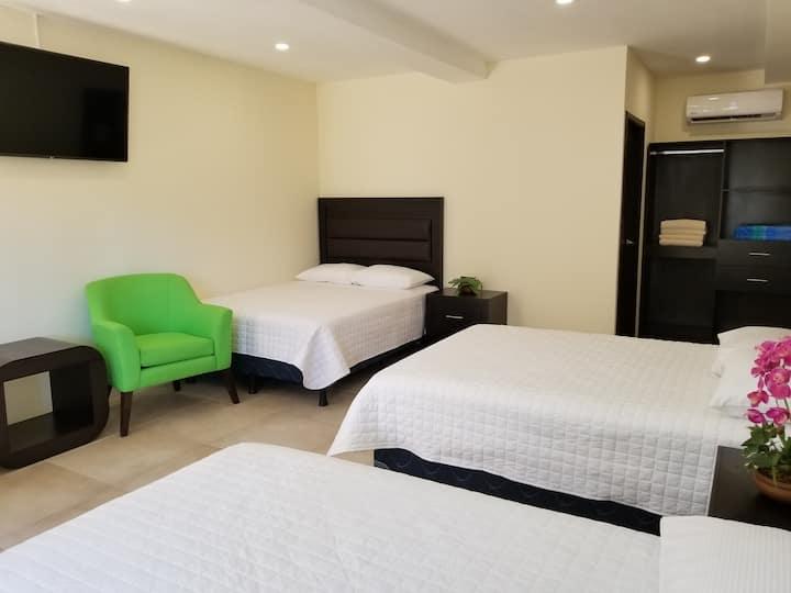Casa Margarita Hotel: Superior Triple Room