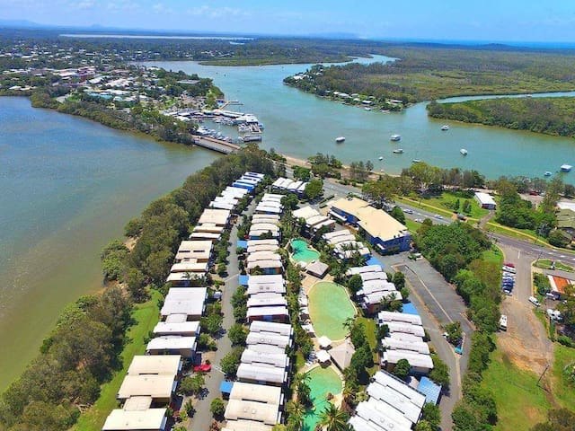 You are right on the Front near the bridge overlooking Noosa River and houseboats.