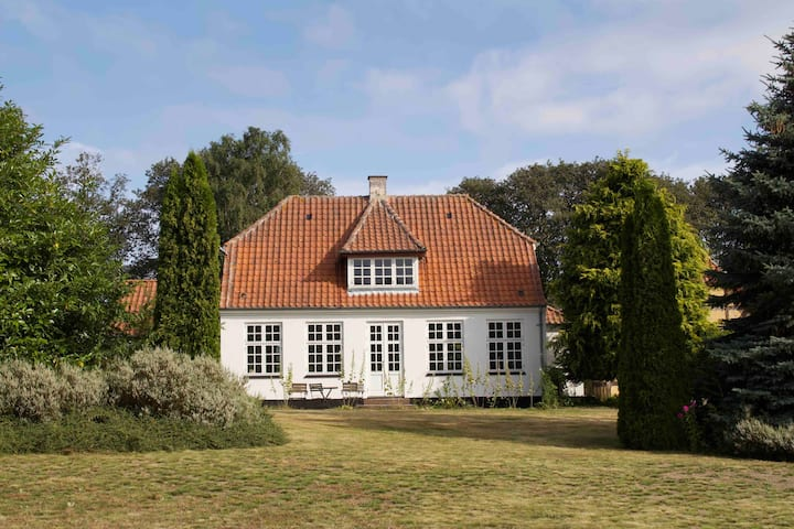 Lovely house on the peninsula of Hindsholm