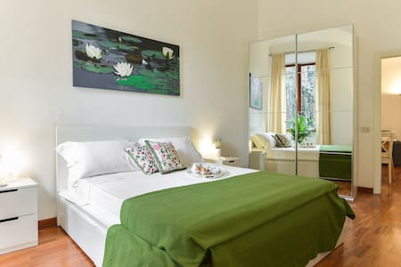 CS Piazza Venezia Apartment - Roma