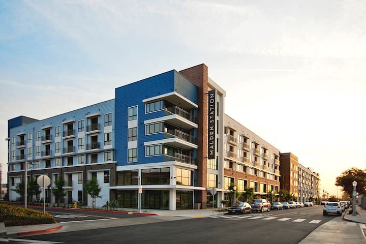 Modern, New and Comfortable Living Space! - Fullerton - Apartamento
