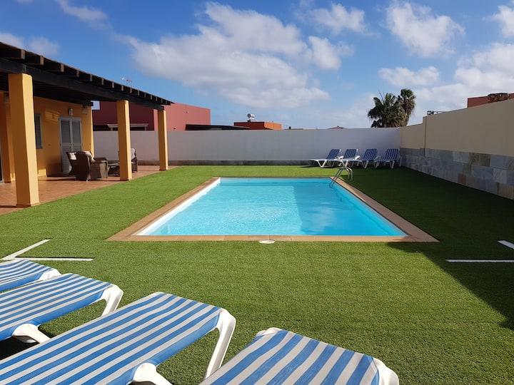 Excelente Villa . Islas Canarias