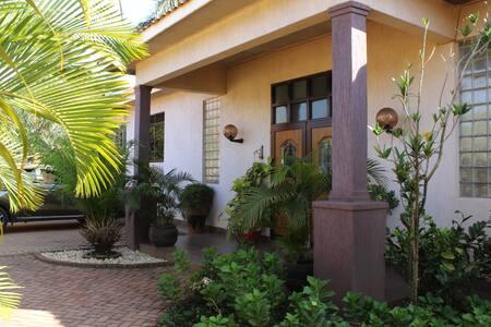 The Canfel Cottage - Namugongo's comfort option