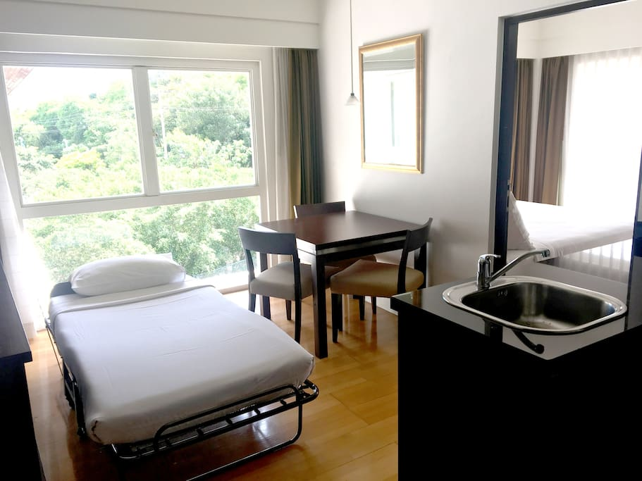 One Bedroom for 3pax,WiFi, Pattaya,Pratumnak_1 -Guest Room WITH the angle of view