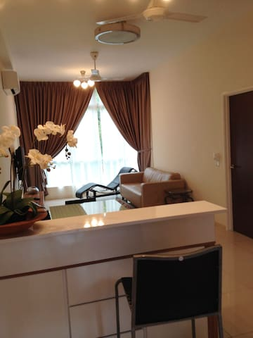 HOLIDAY STAY NEAR SUTERA SHOPPING MALL - Skudai - Appartement en résidence