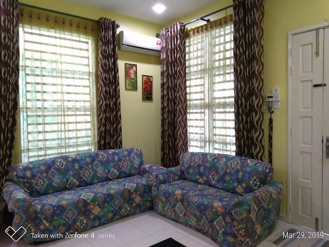 Clean, comfy and affordable guest house for family