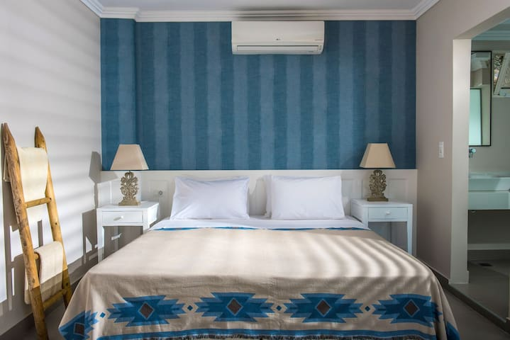Deluxe Mini Suite Sea View Shared Pool(A12)+BB