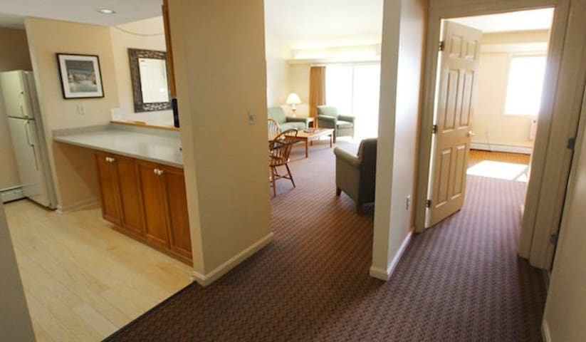 1 Bedroom Condo, Sleeps 4, at Loon Mtn, NH.