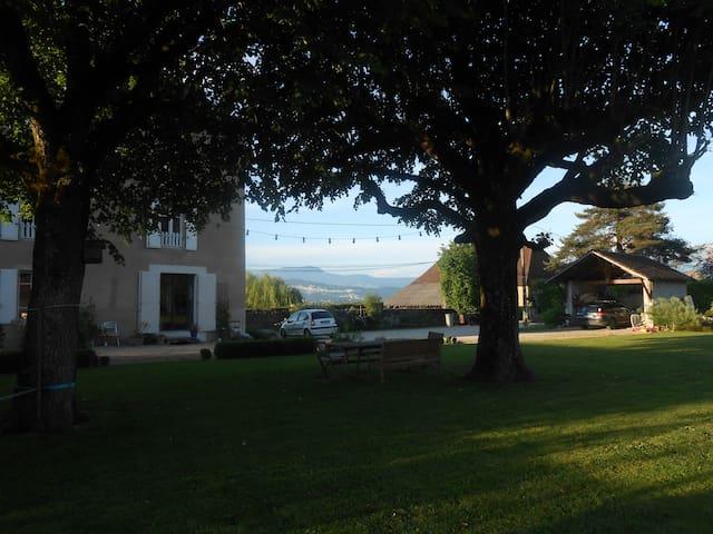 Maison De Vacances Lacs et Montagnes - Saint-Jean-d'Avelanne - Hus