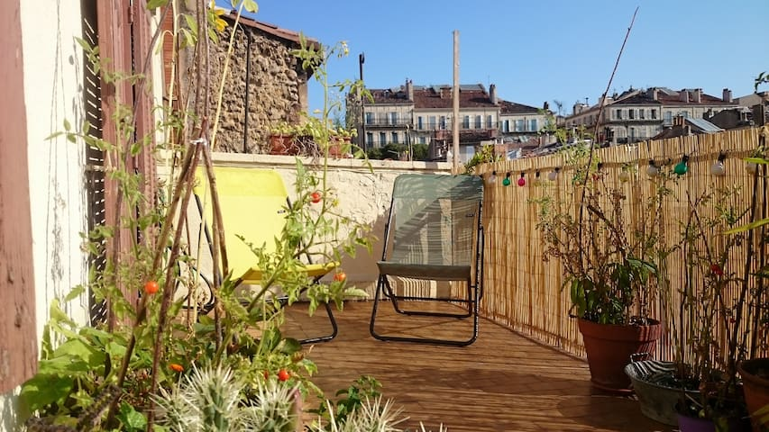 Appartement atypique terrasse Longchamp