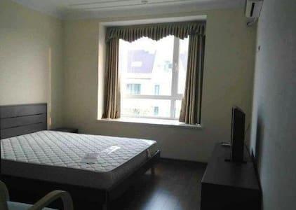 装修精致,优雅舒适的居室,欢迎您的到来 - Циндао