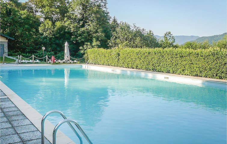 Holiday apartment with 2 bedrooms on 60m² in Bosco Valtravaglia