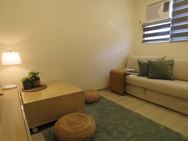 2BR Main City Apartment above MTR