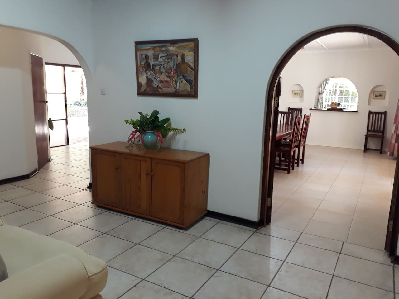 The People's Foyer has access to dinning room, the pool / bar lounge and the Main Lounge.
