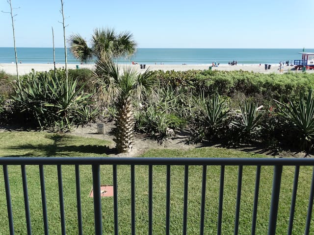 AMAZING Direct Oceanfront Boardwalk 104 CONDO!