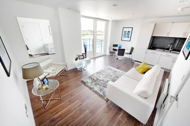 Media City UK easy reach of MUFC - Salford - Apartment
