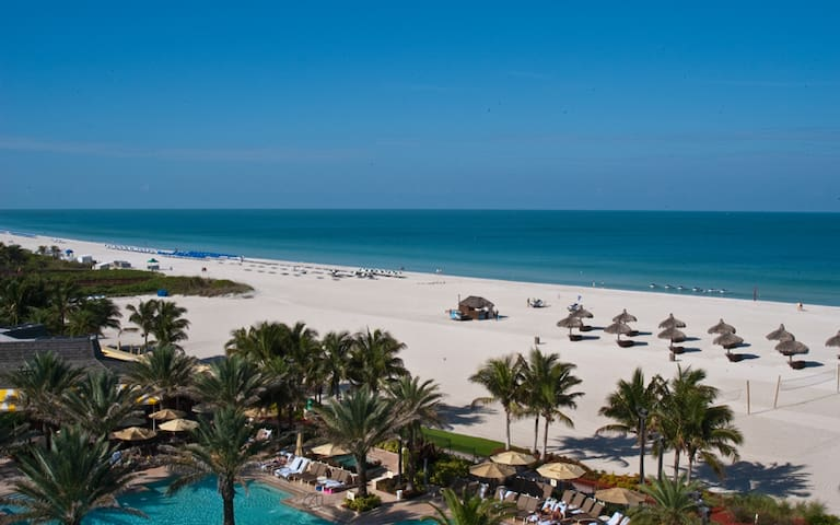 1 BR Suite with Garden View, Beachfront building - Marco Island - Flat