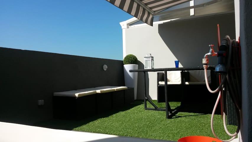 Charme avec terrasse plein ciel - Marseille - Apartemen