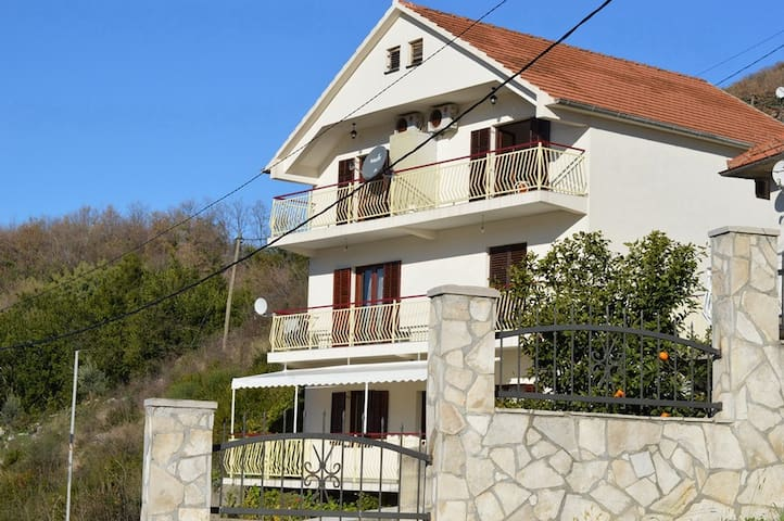 Vavic apartments, one bedroom with sea view - Herceg Novi - Appartement