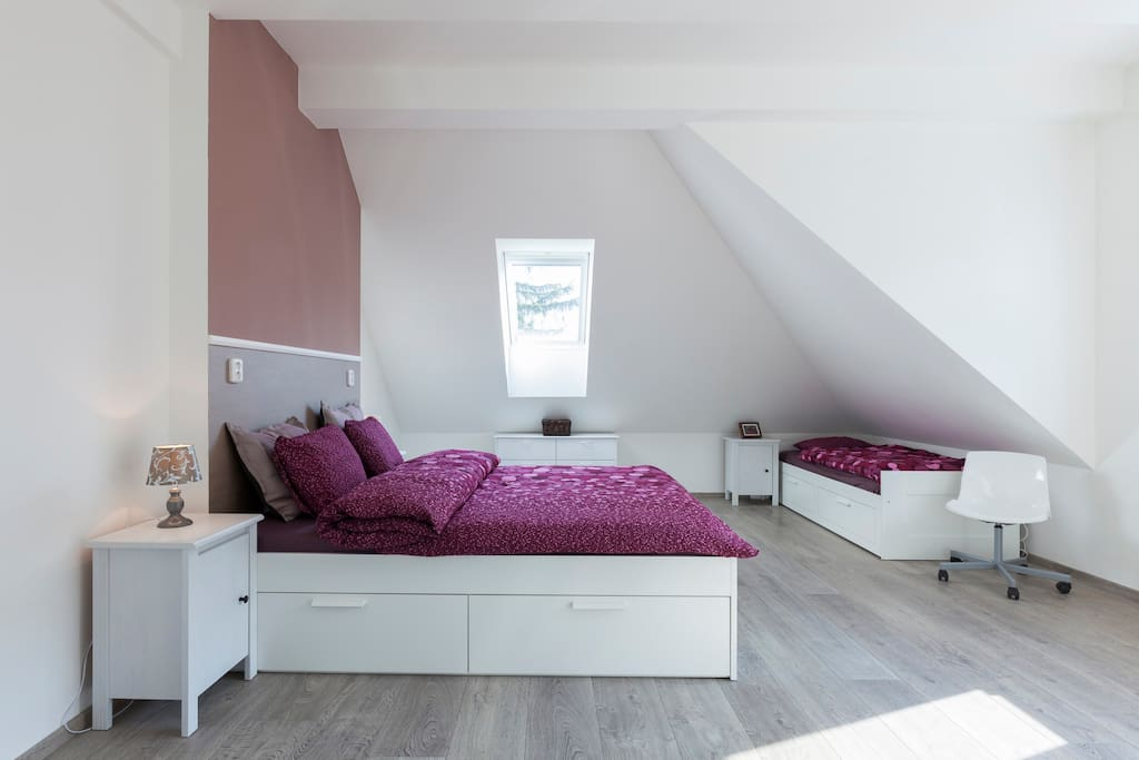 First bedroom, for 3-4 people, the sigle bed is convertible