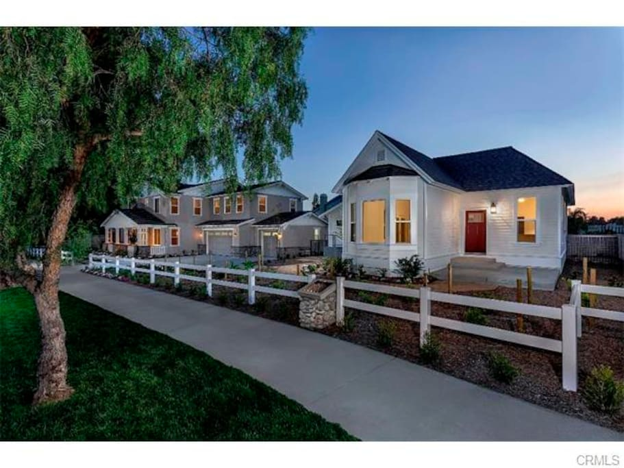 Spacious and cozy independent cottage houses New homes in rancho cucamonga near victoria gardens