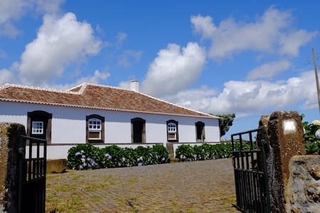 Charming and Typical Azores House - Praia da Vitória