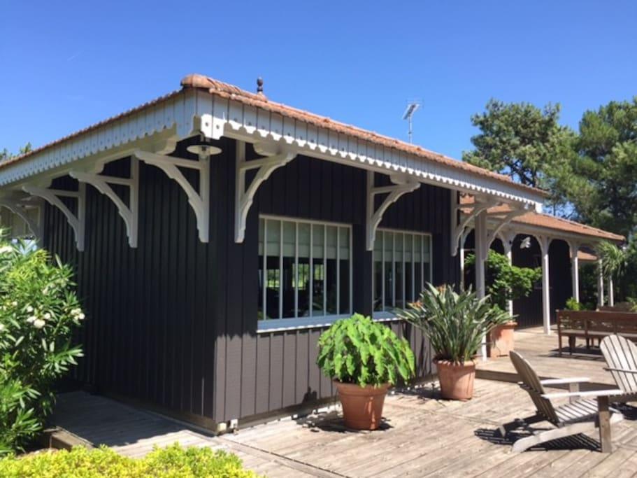 Villa de standing cap ferret avec piscine maisons for Maison a louer cap ferret avec piscine