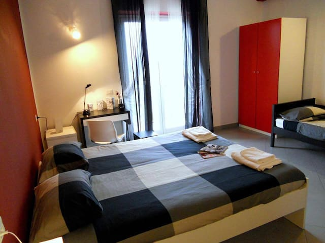 A brand new modern room in a relaxing area - Valmontone - Apartamento