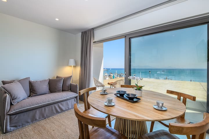 Noa Beachfront Family Suite