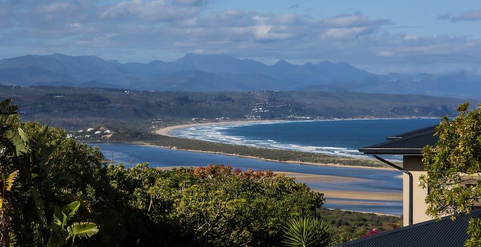 Mountain and Sea View Getaway Plett